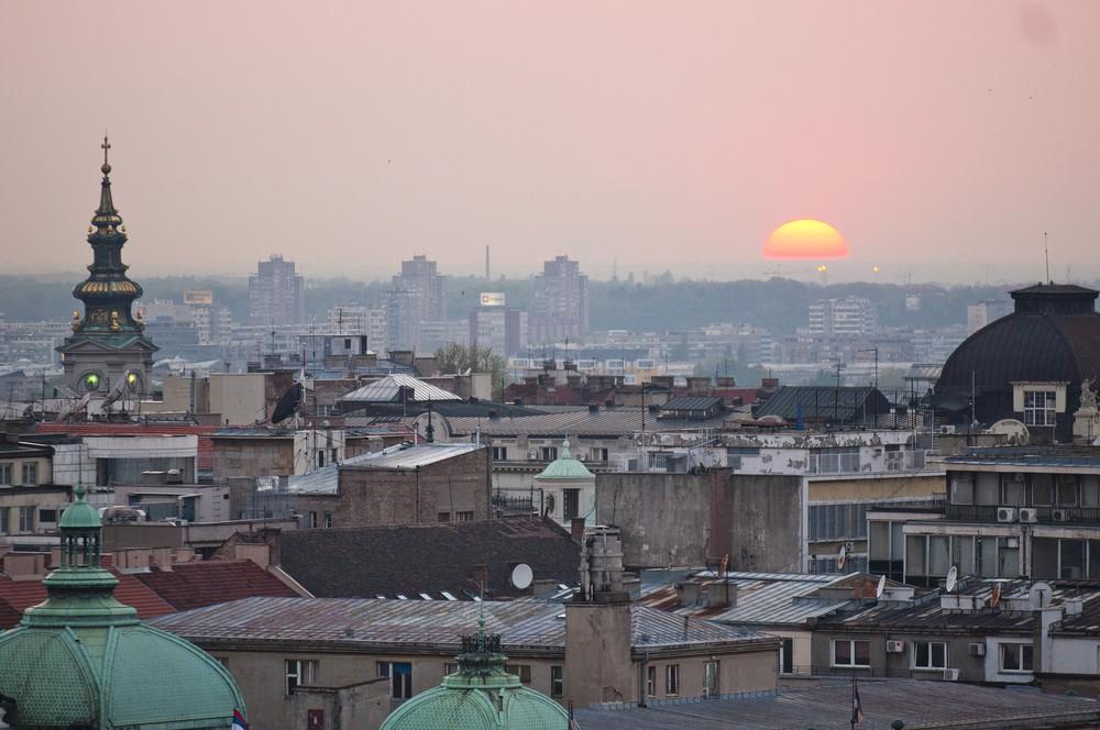 Aprire una società in serbia e investire
